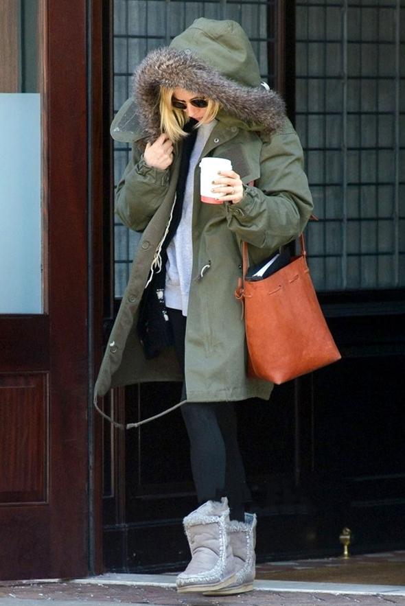 外套搭配雪地靴,打造冬日最暖cp,你学会了吗